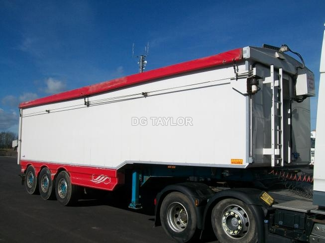 2011 WILCOX STEPFRAME TRI AXLE 70YD PLANK SIDED TIPPING TRAILER (TASCC REGISTERED)