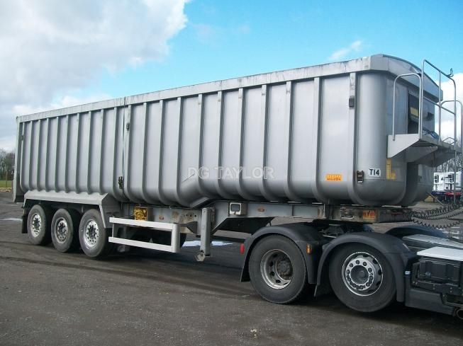 2011 WILCOX STEPFRAME TRI AXLE 67 YD BATHTUB TIPPING TRAILER (TASCC REGISTERED)
