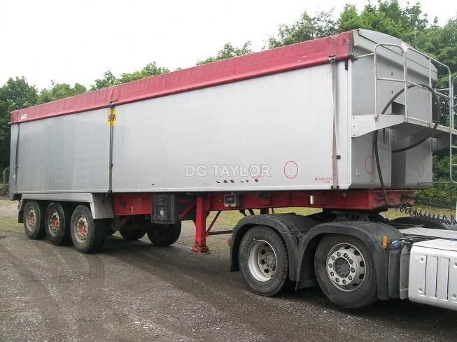 2010 WEIGHTLIFTER SLOPER TRI AXLE 67 PLANK SIDED TIPPING TRAILER