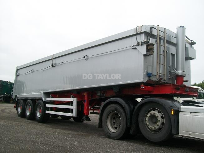 2016 WEIGHTLIFTER SLOPING TRI AXLE 43YD AGGREGATE PLANK SIDED TIPPING TRAILER