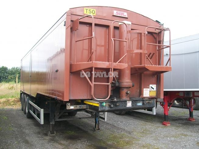 2010 SDC  TRI-AXLE STEPFRAME 65 YD PLANKSIDED TIPPING TRAILER